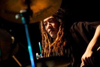 藤井伸昭 (drums)
